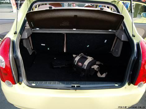 Тест-драйв Chery QQ6 - Jaggi (Чери Джагги) - багажник