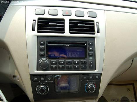 фото салона китайского авто Chery Fora - A21 Чери Фора foto