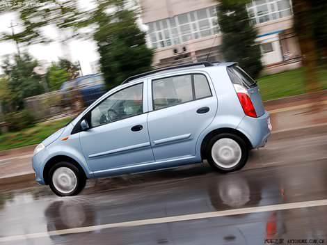 фото в движении, динамика - Chery A1 Kimo photo foto