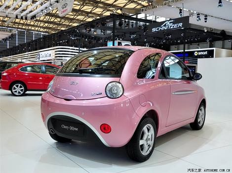 фото китайская малолитражка Chery QQme красного и розового цветов foto photo
