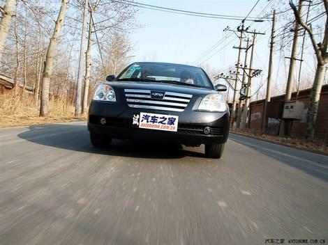 фото автомобиля Vortex Estina (Chery Fora) - фотографии Вортекс Эстина (Чери Фора) в движении