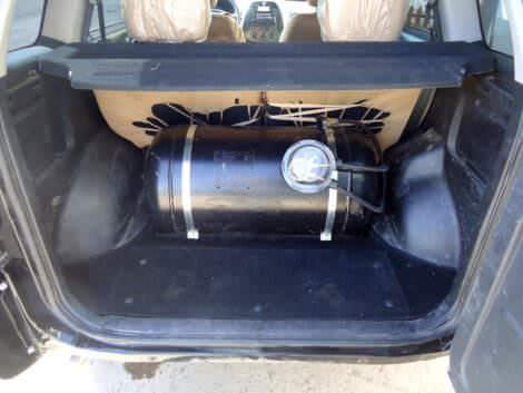 Газовый баллон в багажнике Chery Tiggo